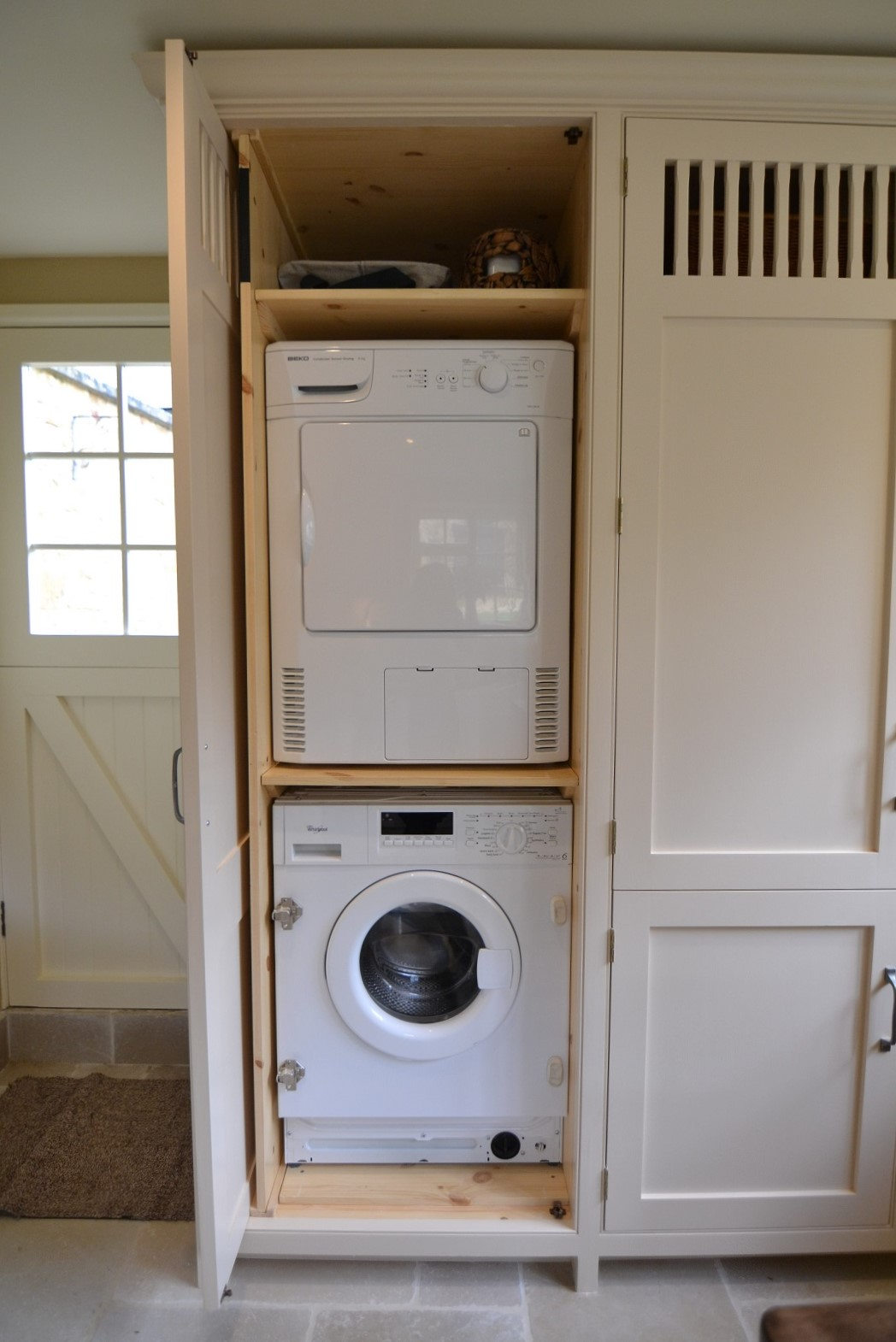 Laundry Room Design With Sink