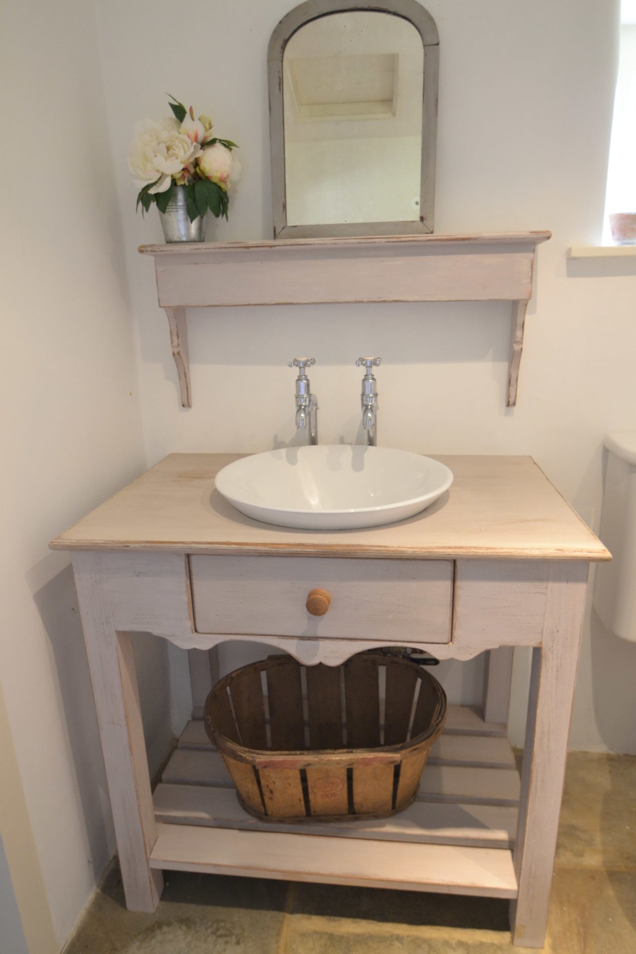 Country cottage Washstand