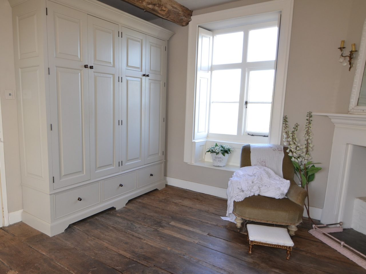 Fitted bedroom wardrobes in period property