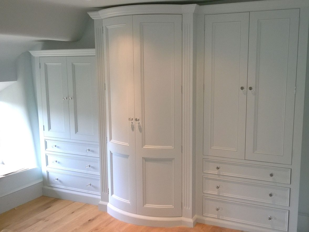Made to measure fitted wardrobes and drawers